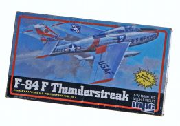 F 84F THUNDERSTREAK JET FIGHTER - MPC 1/72 scale