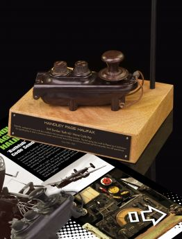 HANDLEY PAGE HALIFAX 'BATHTUB' MORSE CODE SENDER KEY