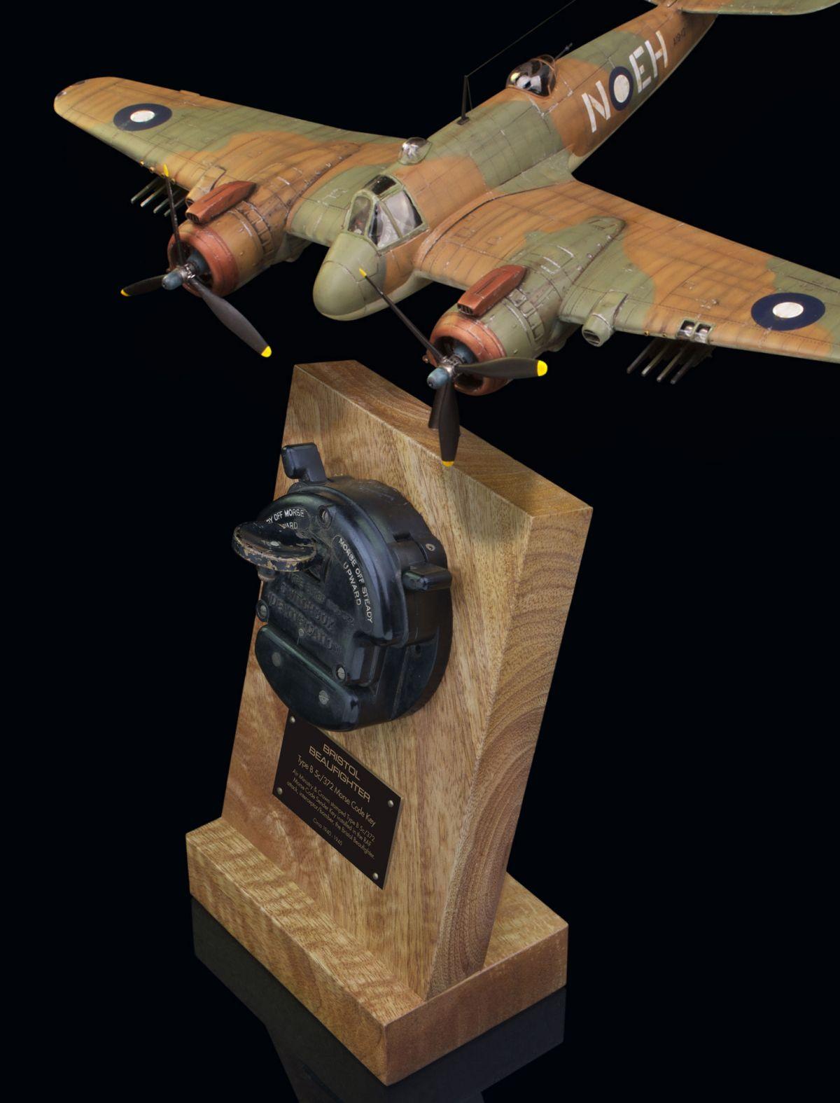 BRISTOL BEAUFIGHTER TYPE B, 5c/373 AIR MINISTRY & CROWN STAMPED MORSE CODE SENDER KEY