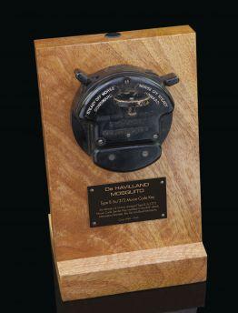 De HAVILLAND MOSQUITO TYPE B, 5c/373 AIR MINISTRY & CROWN STAMPED MORSE CODE SENDER KEY
