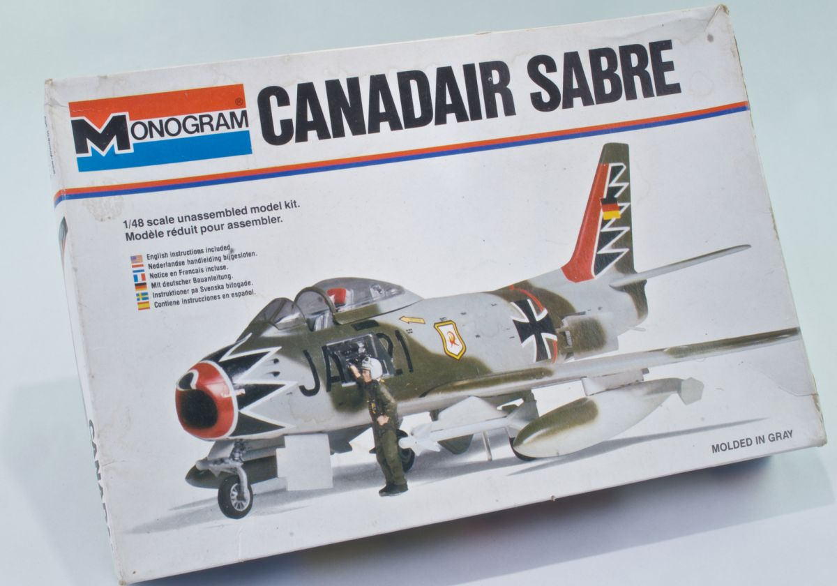 CANADAIR SABRE 1/48 vintage model kit