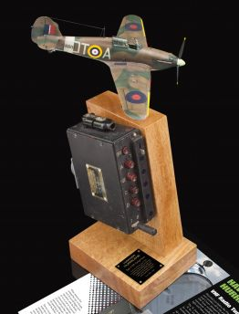 HAWKER HURRICANE AIR MINISTRY TYPE 4 VHF COCKPIT TUNER
