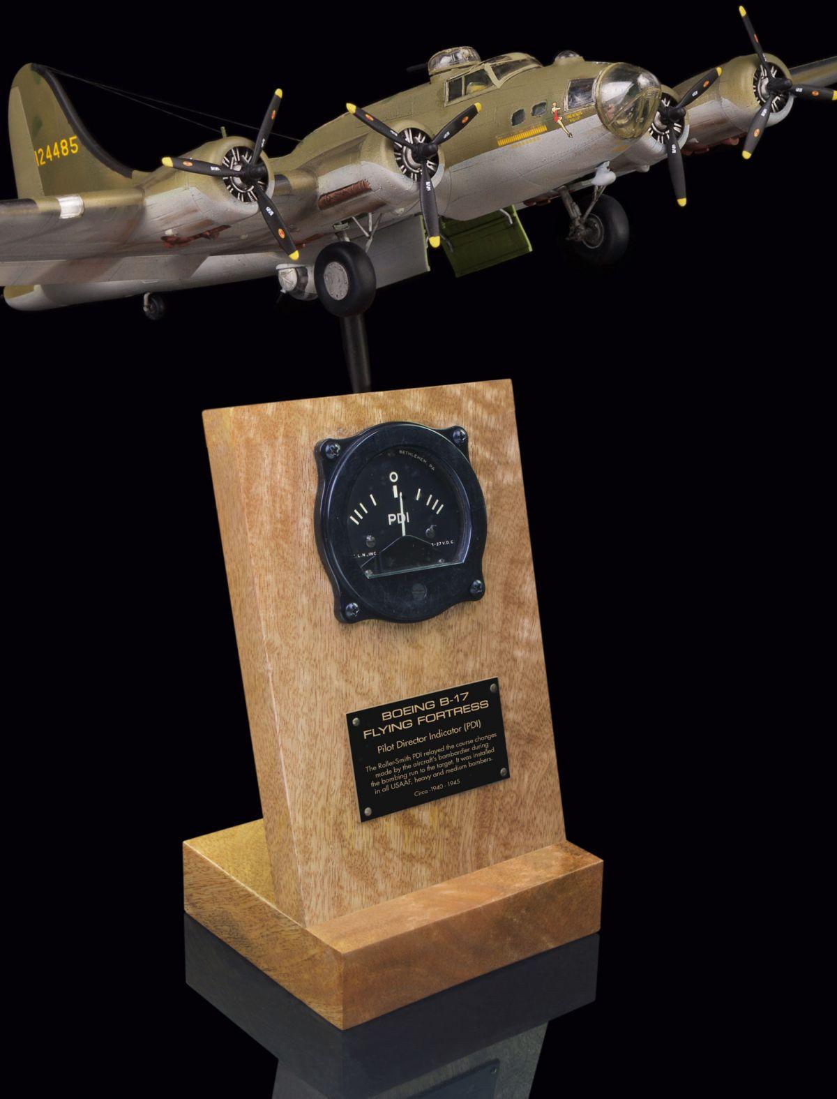 B-17 FLYING FORTRESS PILOT DIRECTOR INDICATOR (PDI)