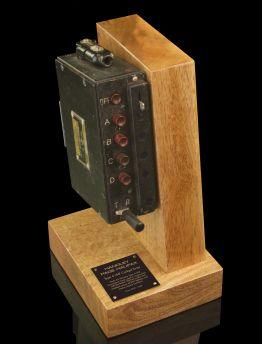HANDLEY PAGE HALIFAX VHF COCKPIT TUNER
