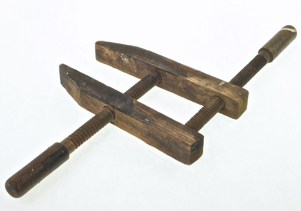 Vintage timber twin screw clamp