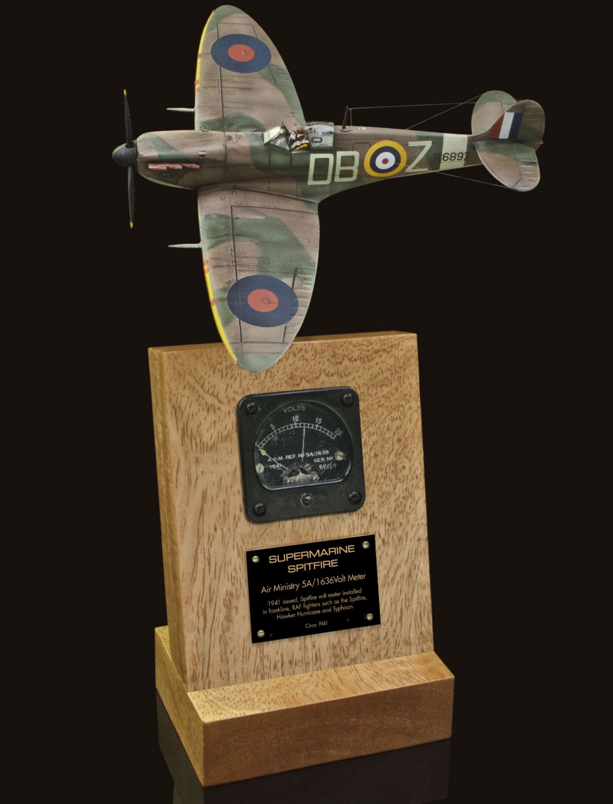 SUPERMARINE SPITFIRE Mk IA 5A/1636 AIR MINISTRY & CROWN 1939 ISSUED VOLT METER