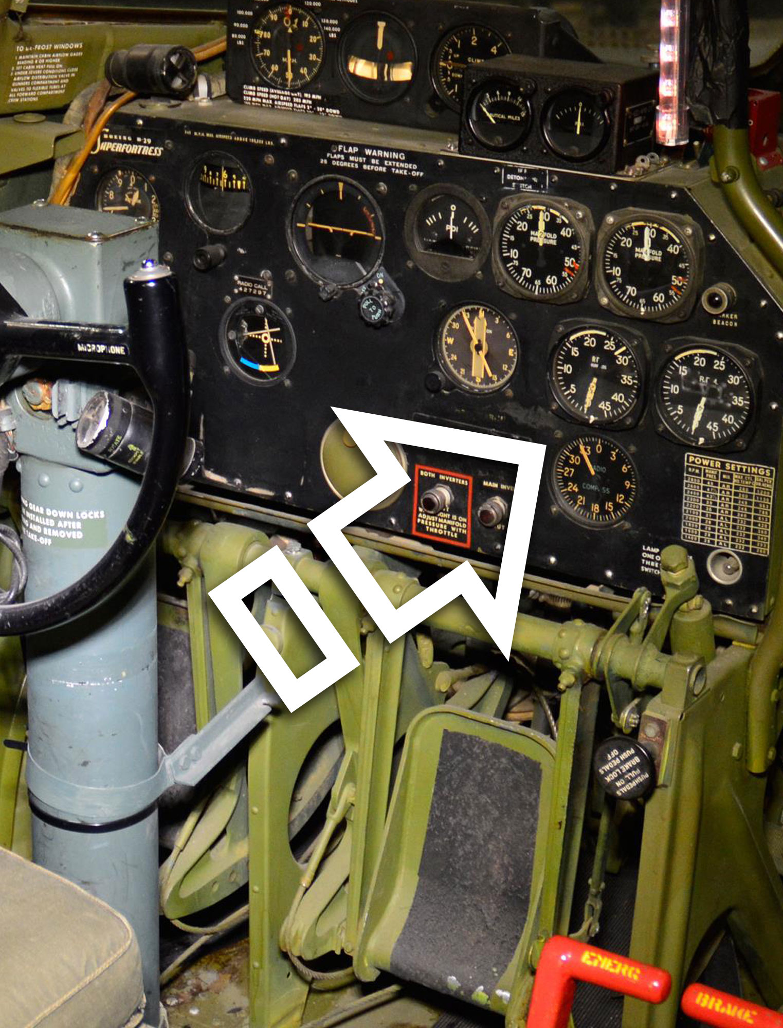 B-29 SUPER FORTRESS, AN5530 - 2A DUEL ENGINE RPM GAUGE