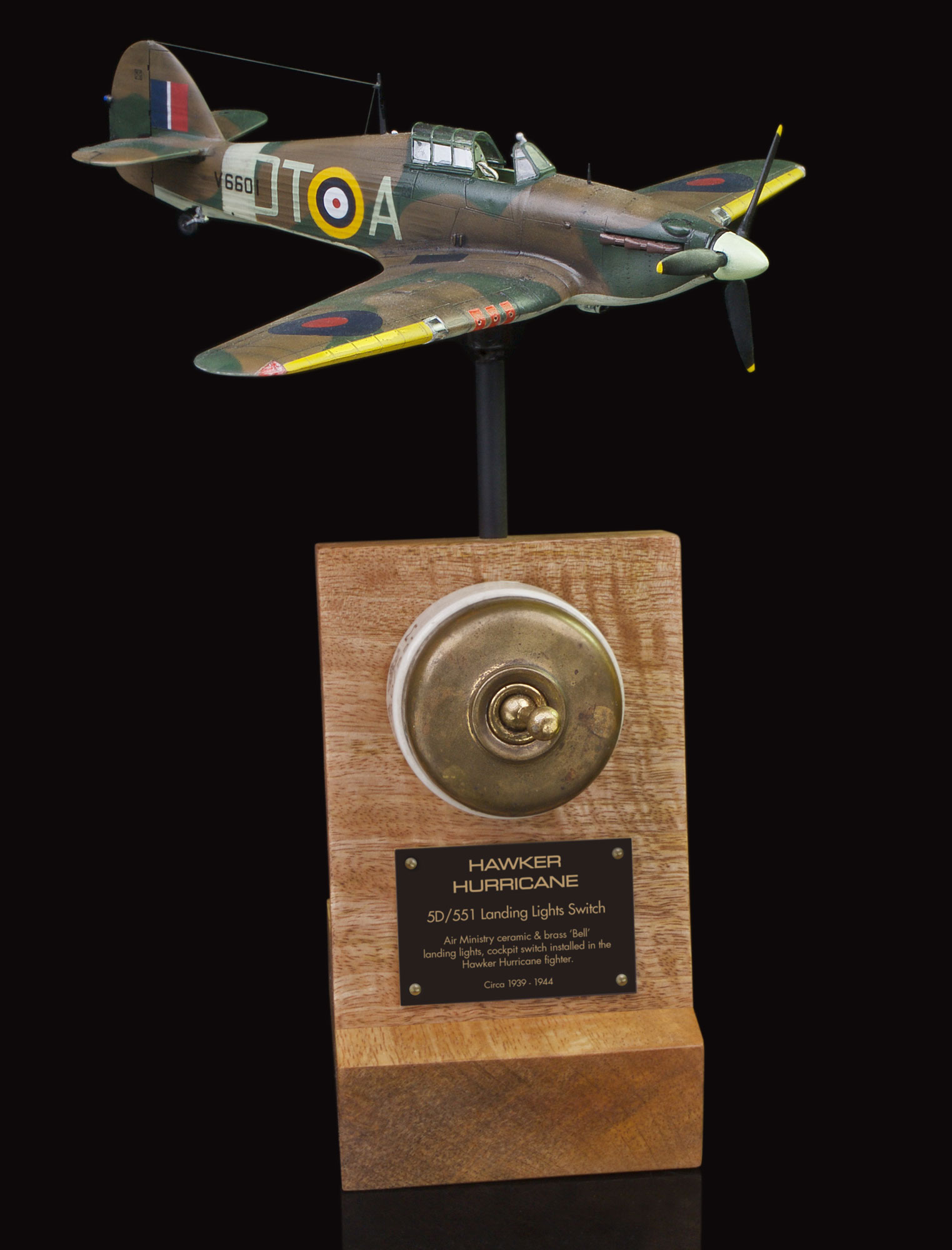 HAWKER HURRICANE 5D/551 'BELL' LANDING LIGHT, CERAMIC & BRASS TOGGLE SWITCH