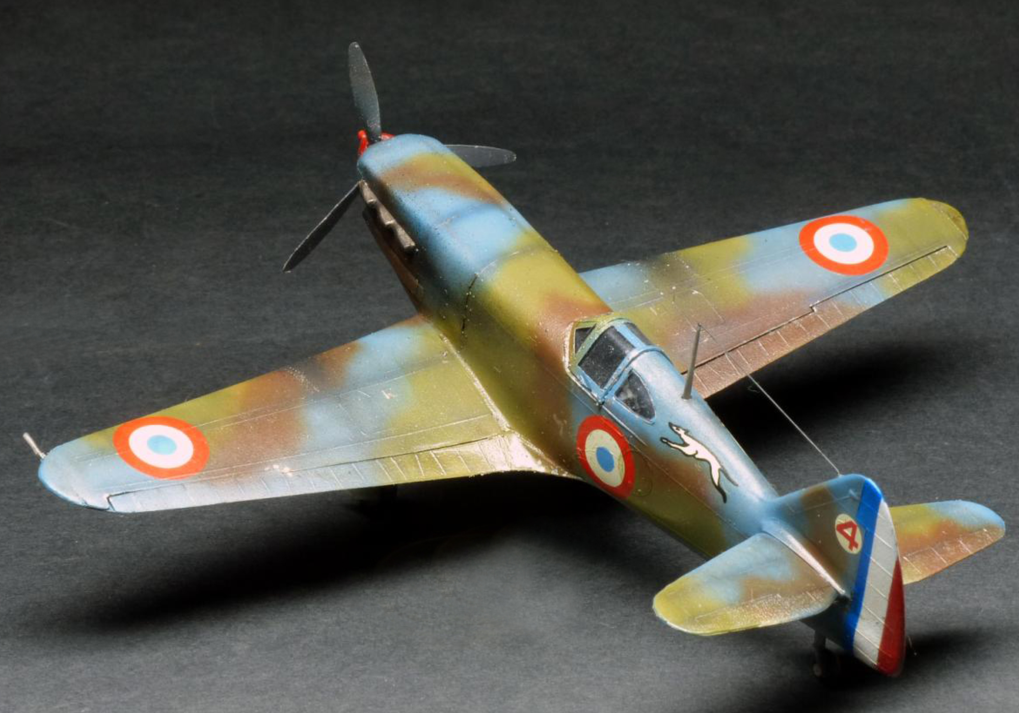 FRENCH DEWOITINE 520 WWII FIGHTER - HELLER 1/72 scale