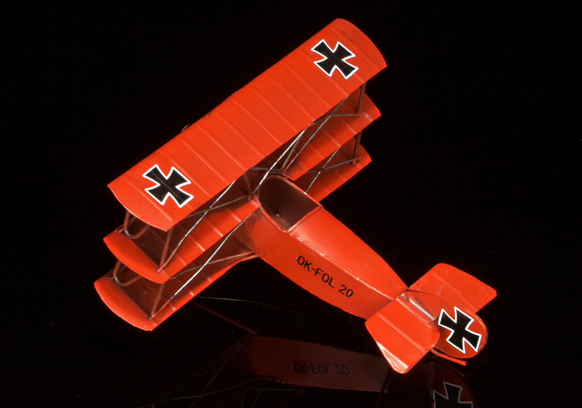 Red Baron Triplane - hand-crafted tin/metal retro-style  - 16cm wingspan
