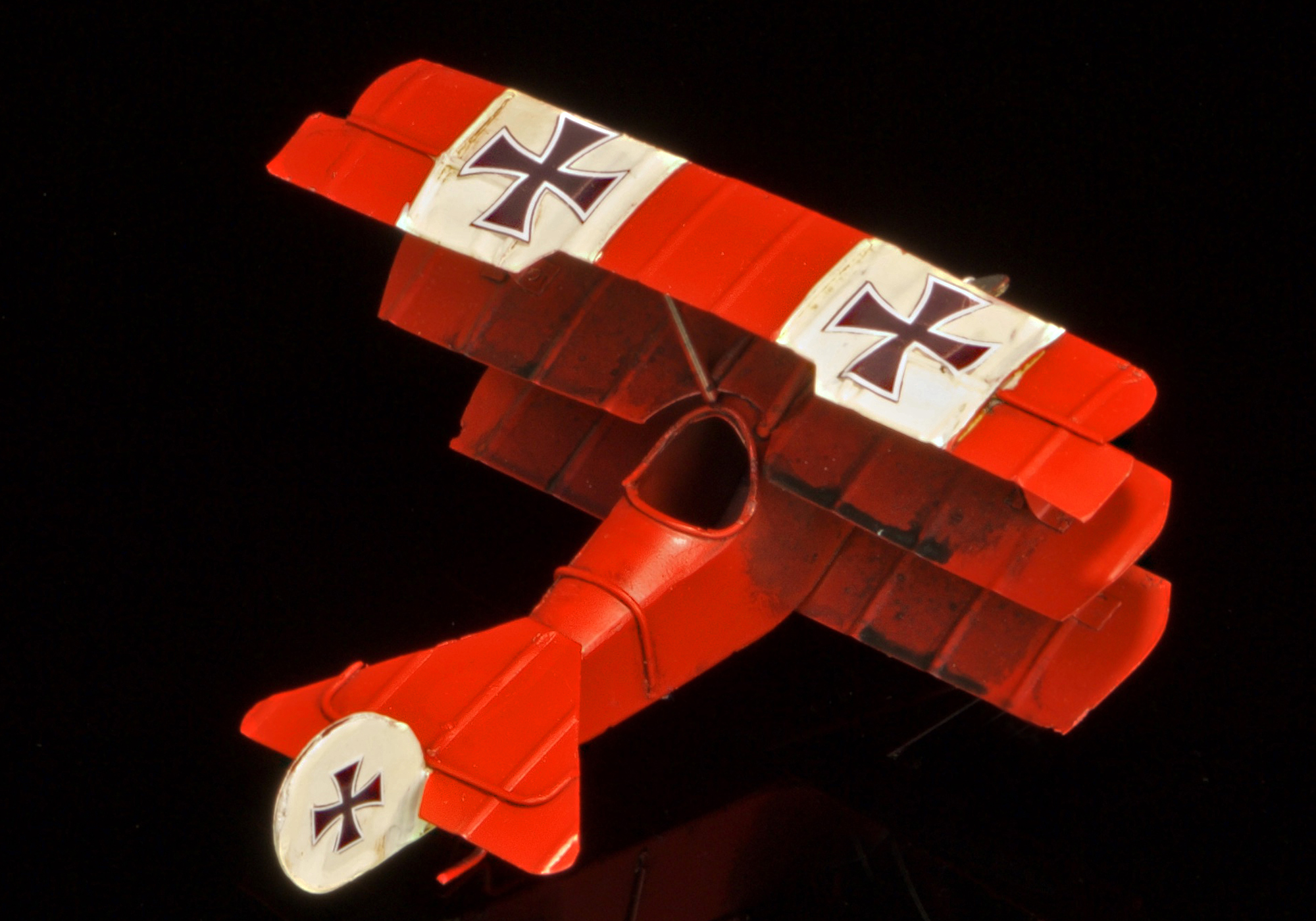 Hand-crafted tin/metal retro-style Red Baron Triplane - 16cm wingspan