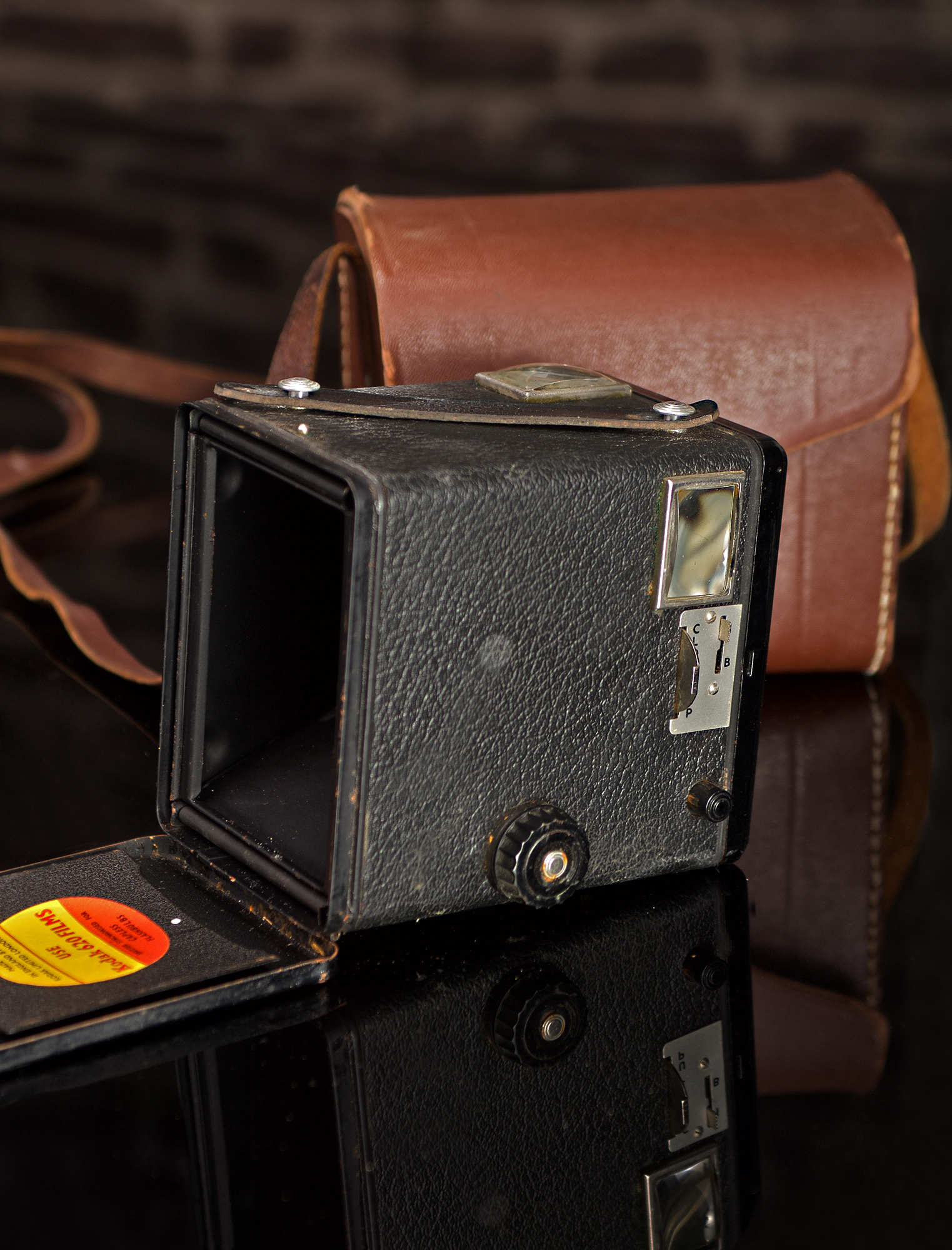 KODAK BROWNIE FLASH II EUROPEAN MODEL WITH ORIGINAL CASE